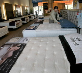 MATTRESS, biz, adp, 2 - Steinhafel store manager, Dan Mueller in Wauwatosa store on Monday, Oct. 19, 2009. Steinhafel will soon open two more mattress stores, as it expands its mattress business. Angela Peterson/apeterson@journalsentinel.com